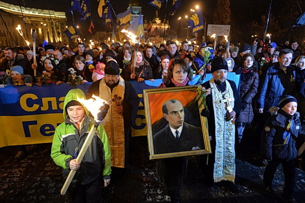 Marcha en Kiev el 1 de enero de 2014, día del 105º aniversario del nacimiento de Stepan Bandera.