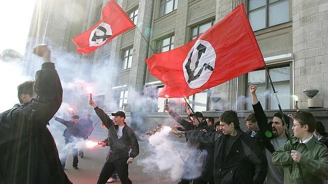 En Rusia hay dos tipos de fascistas: Los fascistas ultranacionalistas y los antifascistas ultranacionalistas.