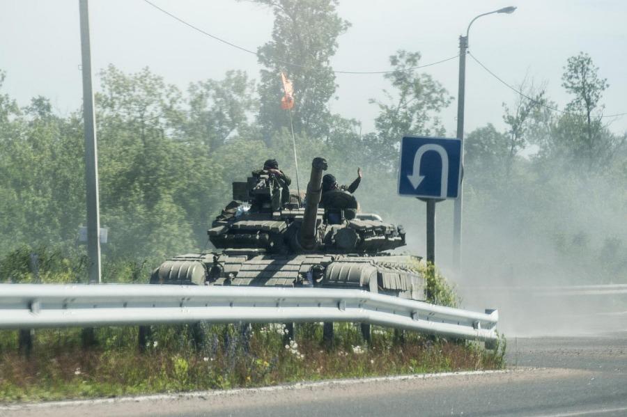 Un carro de combate T-64 en manos de los rebeldes prorrusos el pasado viernes 20 de junio.