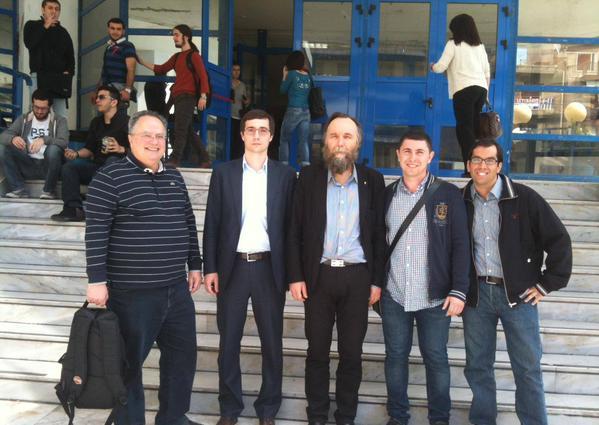 El nuevo ministro de Asuntos Exteriores griego con Alexander Dugin en Grecia en 2013 (ahora niega todo vínculo con él)