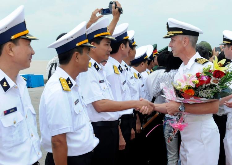 Bienvenida a la U.S. Navy en Da Nang (Vietnam)