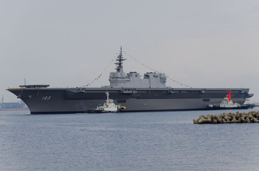 1024px-JS_Izumo_(DDH-183)_just_after_her_launch
