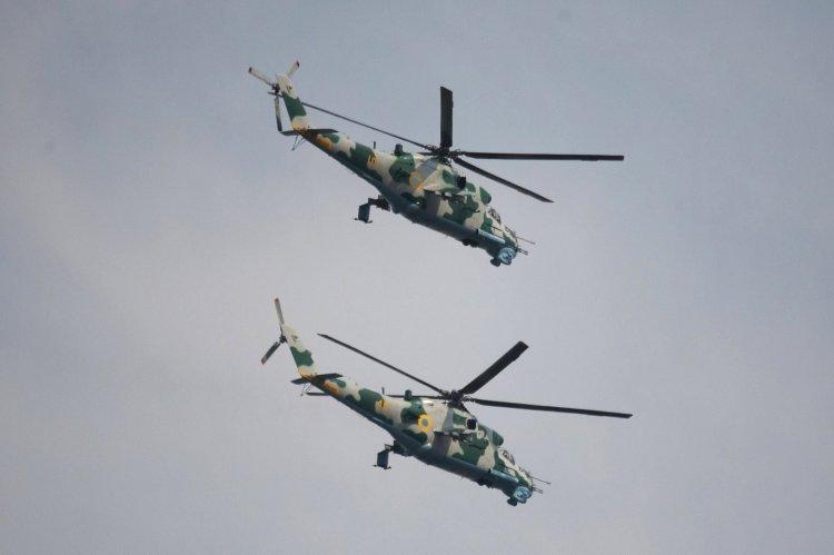 Mi-24 ucranianos. Foto: Michael Esspe