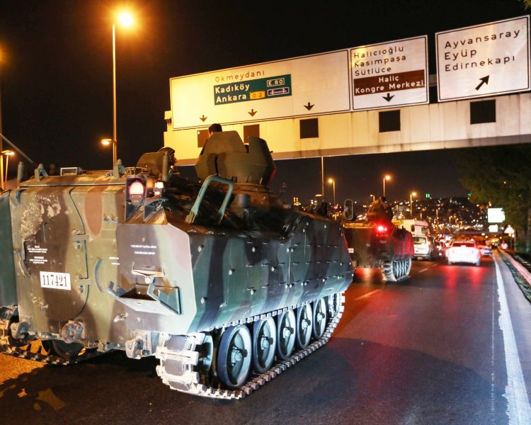 FNSS ACV-15 del ejército turco la noche del golpe.