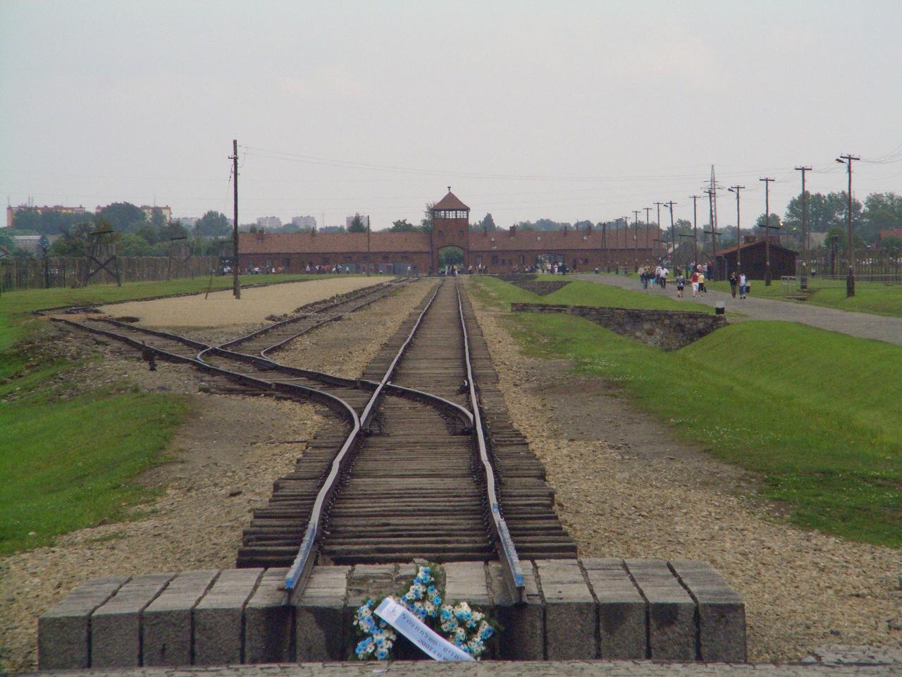 Pilar Baselga y la negación del Holocausto