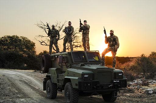 La guerra para salvar animales africanos de los cazadores furtivos